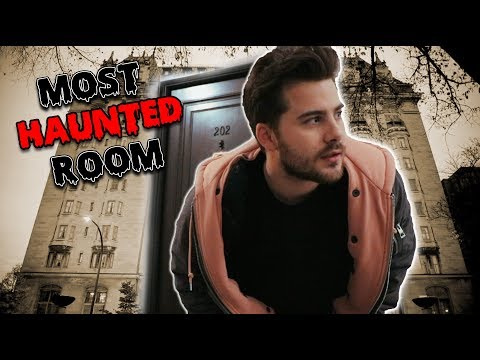 STAYING AT ONE OF THE MOST HAUNTED HOTELS IN THE WORLD...ALONE (ROOM 202)