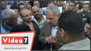 بالفيديو..الزغاريد تستقبل محلب فى مسجد فاطمة النبوية بالدرب الأحمر