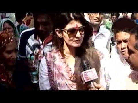 Mohammed Azharuddin, wife Sangeeta Bijlani woo Sawai Madhopur