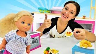 Игры для девочек. Кукла Штеффи и Кен готовят сюрприз!