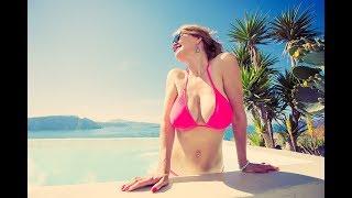 SEXY STARS IN BIKINIS: The nifty 50s