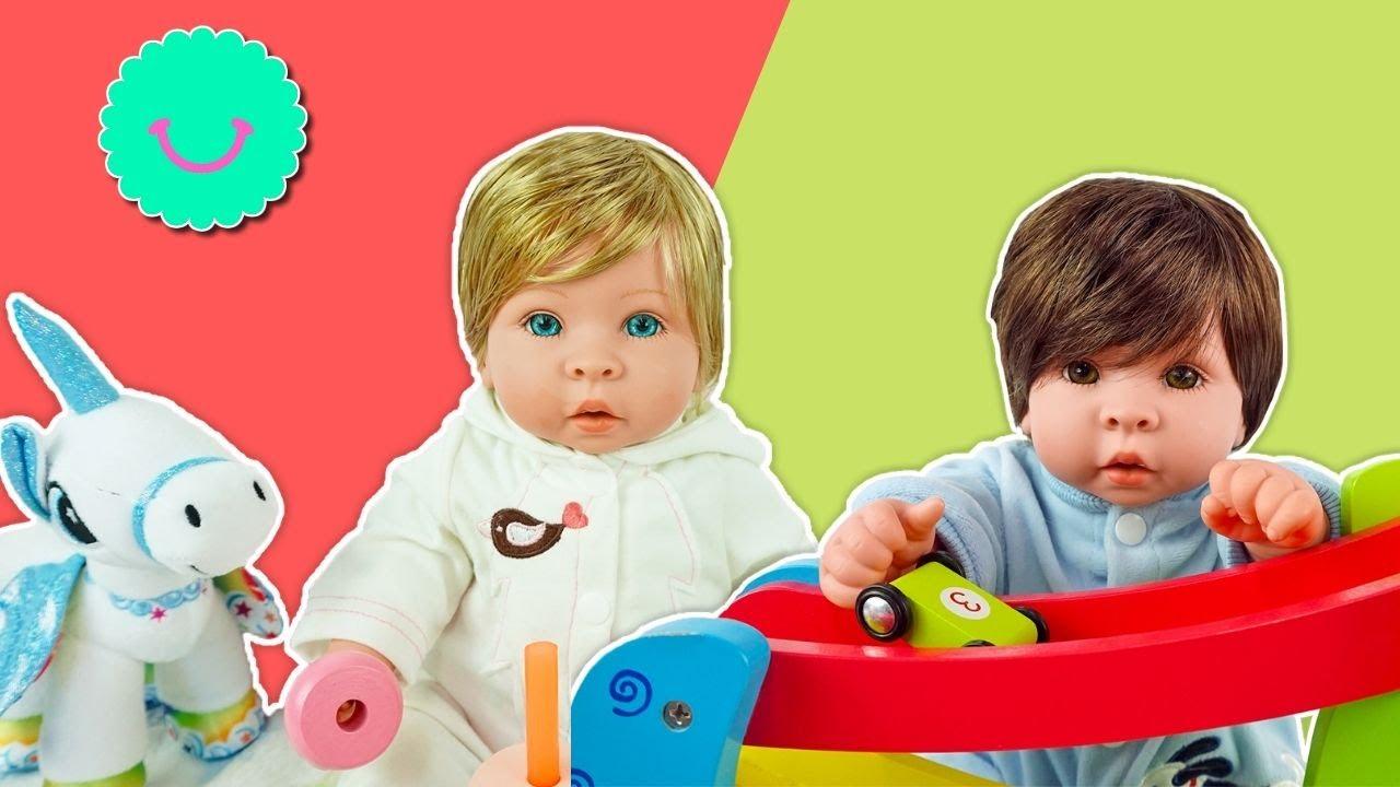 Merienda y juegos con mis muñecos realistas Finn y Molly 😍