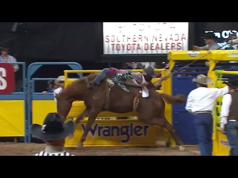 O'Connell and Biglow TIE in Round 2 | WNFR 2016 | Bareback Riding