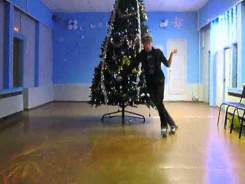 новогодняя 2010 ( D.n.B версия)  всех с наступающим - в лесу родилась елочка - радио версия