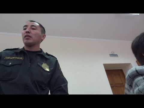 Судья, или фотомодель, осуществляет правосудие в Омске.