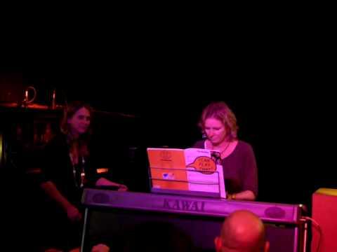 Anneka's PianoEasy X-Wray Shauna playing Beatles