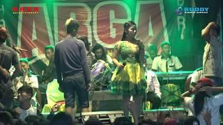Murti Pratama - Bagai Langit & Bumi - ARGA Entertainment LIVE Bantarsari CILACAP 15 Desember 2018