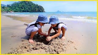 หนูยิ้มหนูแย้ม   เล่นขุดทราย หาปูหาหอย