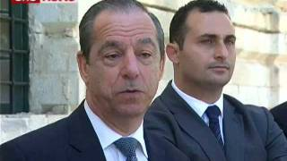 Lawrence Gonzi qabel ma' l-Unjoni Ewropeja li terġa tgħola l-eta' tal-pensjoni.