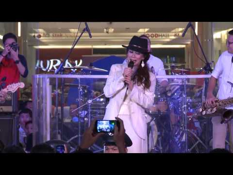 Summarecon Mal Bekasi - REZA ARTAMEVIA Live Performance