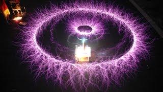 Катушка Тесла (Попытка 1) Трансформатор Теслы своими руками. Coil Tesla (Try 1) Tesla own hands(Моя партнерская программа http://join.air.io/radio Жми и подключайся. Минимальный порог выплат меньше 1$Каждый месяц., 2013-08-09T17:54:17.000Z)