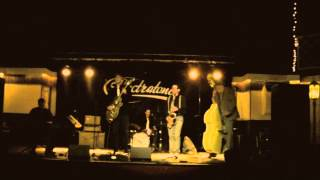 The Spectratones - Shake it up and go, Live at CCW 2012