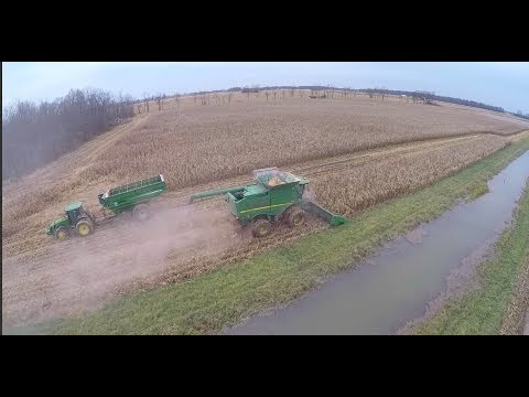 2017 Ohio Corn Harvest in the mud - Green Oak Farms