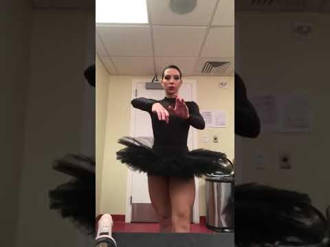 the black swan ballet by (Dayanis Mondeja)