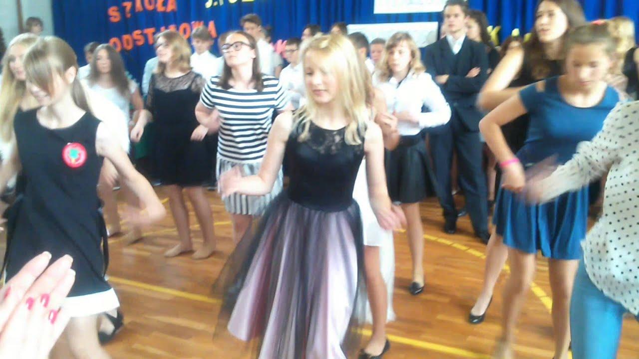 5acc9eaa ZSI INOWROCŁAW Taniec w wykonaniu absolwentów