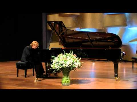 Schumann - Sonata no. 1 in F-sharp minor, op. 11 - Konstantin Soukhovetski