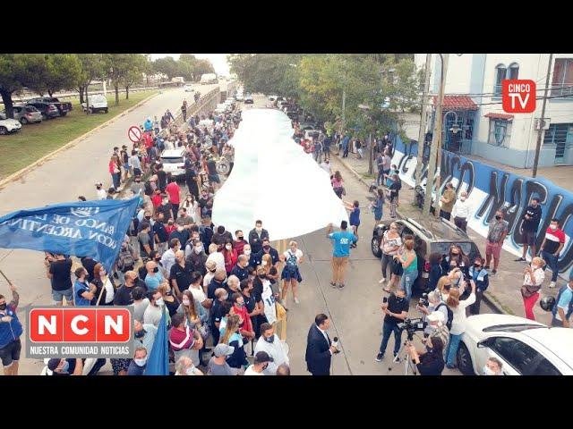 CINCO TV - Abrazo simbólico al Club Banco Nación de Vicente López