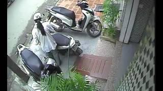 Camera quay lại cảnh ăn trộm xe chuyên nghiệp