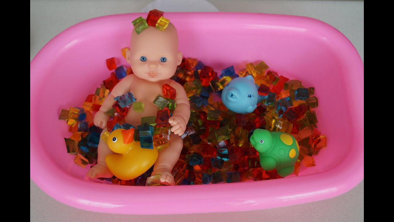 Baby Dolls Bathtub Toy & Shower How to Bath a Baby Doll Toys ...