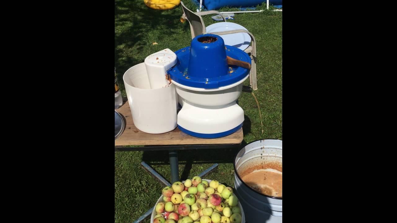 Соковыжималка для целых яблок Нептун - YouTube
