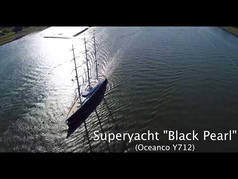 "Sailing Yacht ""Black Pearl"""