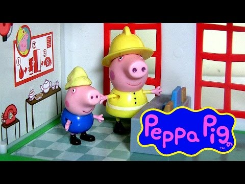 Peppa Pig Fire Station Playset with Fire Engine Truck Nickelodeon - Play Doh Estación de Bomberos