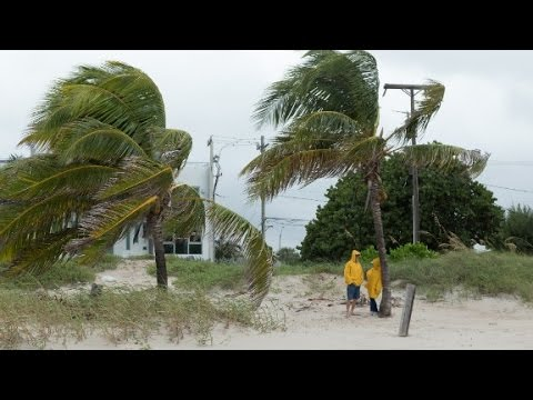 Hurricane Matthew reaches Florida's coast