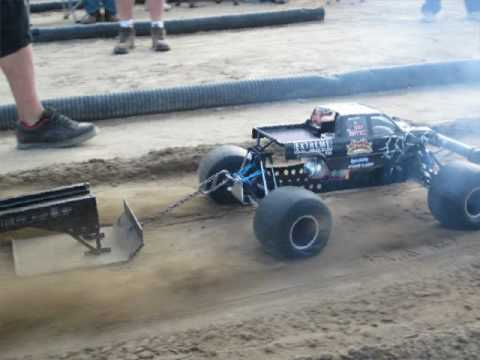 Extreme Rc Mods And Bull Daddy Pulling Champions Youtube