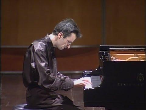 Andrea Bacchetti plays Mozart and Debussy at Teatro Bonci (Cesena)