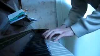 Бумер на пианино