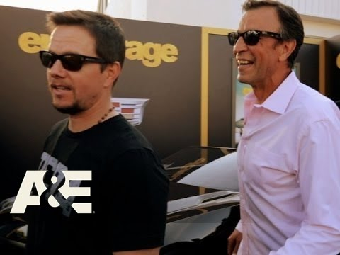 Wahlburgers: The Real Johnny Drama (Season 4, Episode 5)   A&E