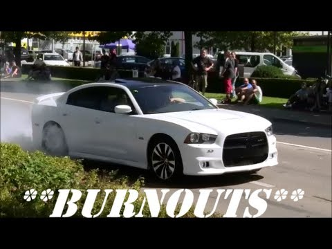"""BURNOUTS"" Accelerations Sounds!! Revs!! Lot of Smoke!! MUSCLE-CAR Party & Crowd goes Crazy!!"