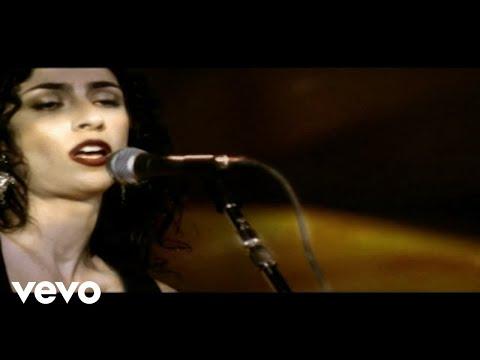 Music video by Marisa Monte performing Tema De Amor. © 2005 Monte Criação E Produção Ltda