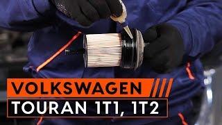 Kā nomainīt VW TOURAN 1T1, 1T2 motoreļļu un eļļas filtru [PAMĀCĪBA]