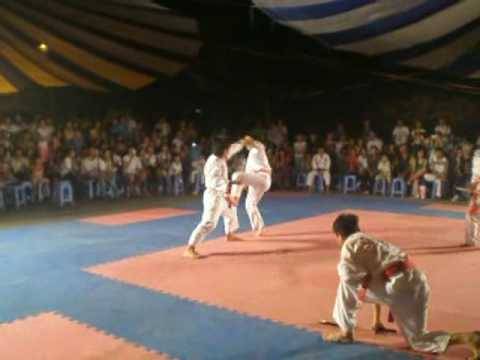 Doi khang tu ve karate