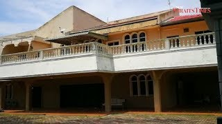 Is this house in Port Dickson, one of Isa's many homes?