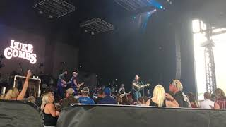 Luke Combs: When It Rains It Pours (Live in Pittsburgh 8-6-17)