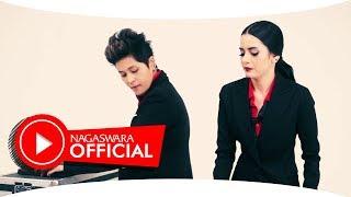 Download Black Champagne - Jangan Gitu Dong (Official Music Video NAGASWARA) #music Mp3
