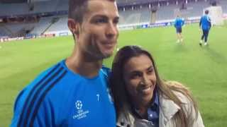 Marta, la cinco veces ganadora del FIFA World Player, visitó a sus ídolos en Malmö