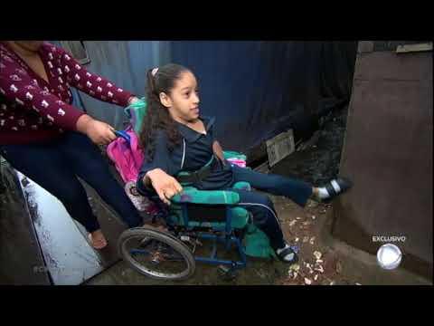 Moradores da maior favela de palafitas do Brasil relatam dificuldades do dia a dia