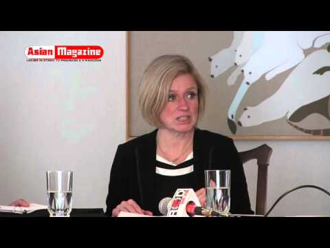 Premier Rachel Notley and Hon. Joe Cici in Round table meeting with Ethnic Media