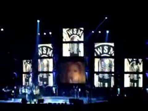 Martina Mcbride-Help me make it through the night (live)