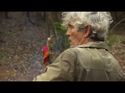Celebrity Island  Eric Roberts Drinks The Last Of The Water 2018