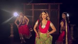 اجمل رقص هندي على اغنيه فارون الجديده  Fisst class 😍❤