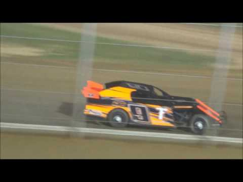Kinzer Edwards Racing May 20, 2016 Outlaw Motor Speedway