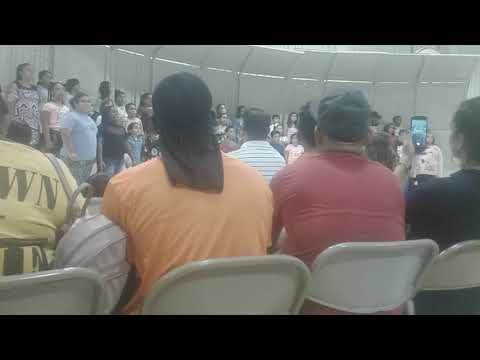 Harwell elementary school singing this is me 5th and 4th there are also two friends of mine who sing