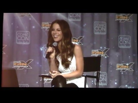 Kate Beckinsale Live Interview at Comic Con