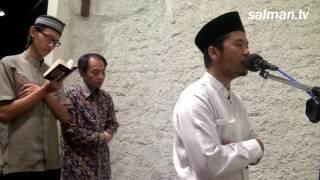 Download Video Imam Shalat Tarawih Masjid Salman ITB - Saiful Bahri (EP '12) MP3 3GP MP4