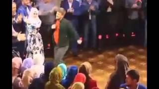 (New)Рамзан Кадыров станцевал лезгинку на свадьбе Гучигова и Гойлабиевой (New)