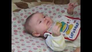 Семья Бровченко. Как правильно чистить нос грудничку и удалять сопельки. Самодельный аспиратор.(Детки приблизительно до 2-х лет сами не умеют высморкать нос. А очень часто возникает необходимость нос..., 2014-04-01T16:10:28.000Z)